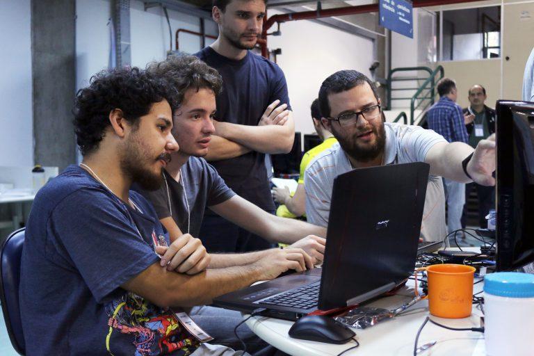 Jovens tiveram 31 horas para desenvolver soluções a problemas de São Carlos
