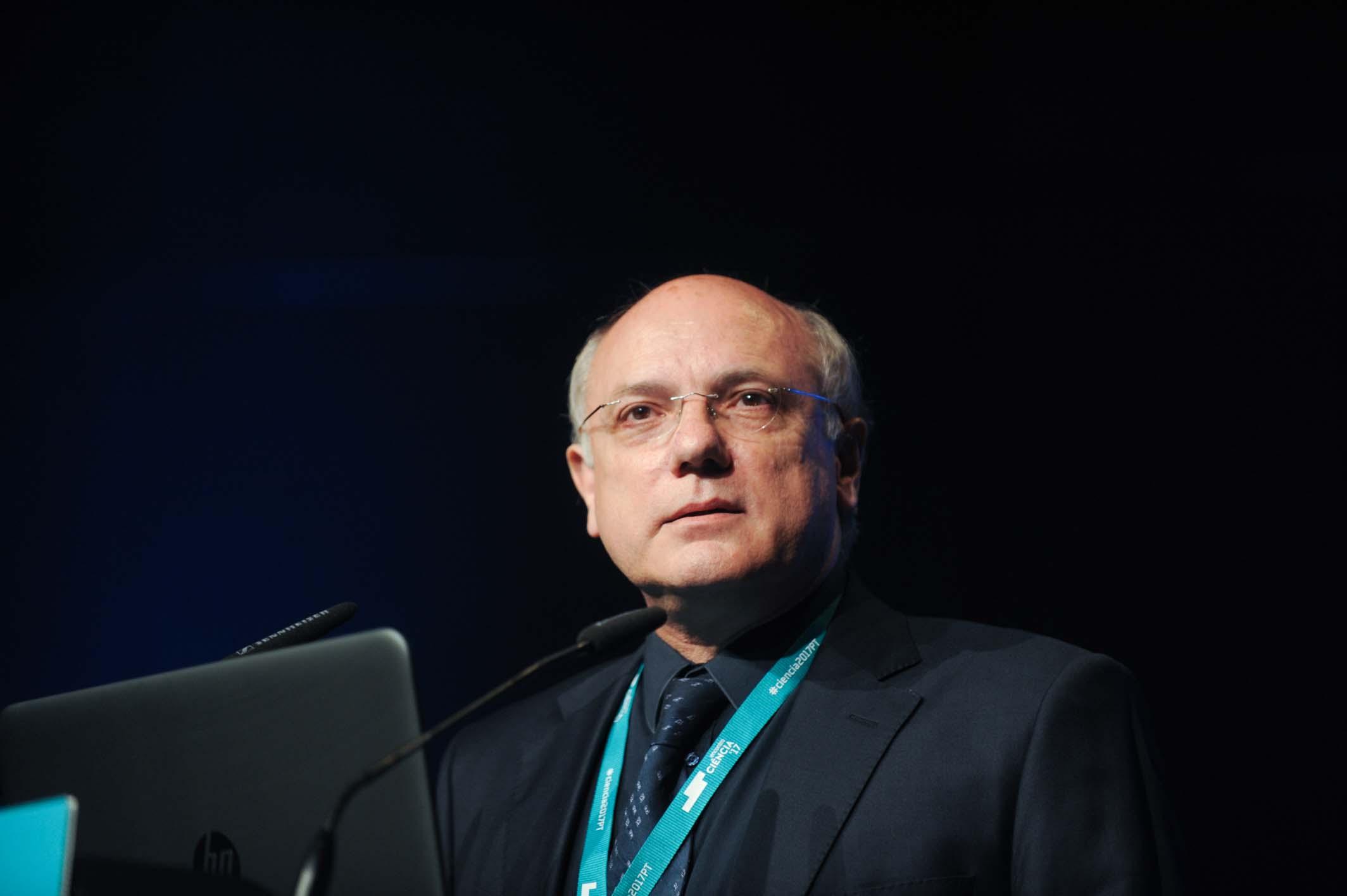 Cientista da Universidade do Porto ministra palestra sobre gestão de ciência e tecnologia