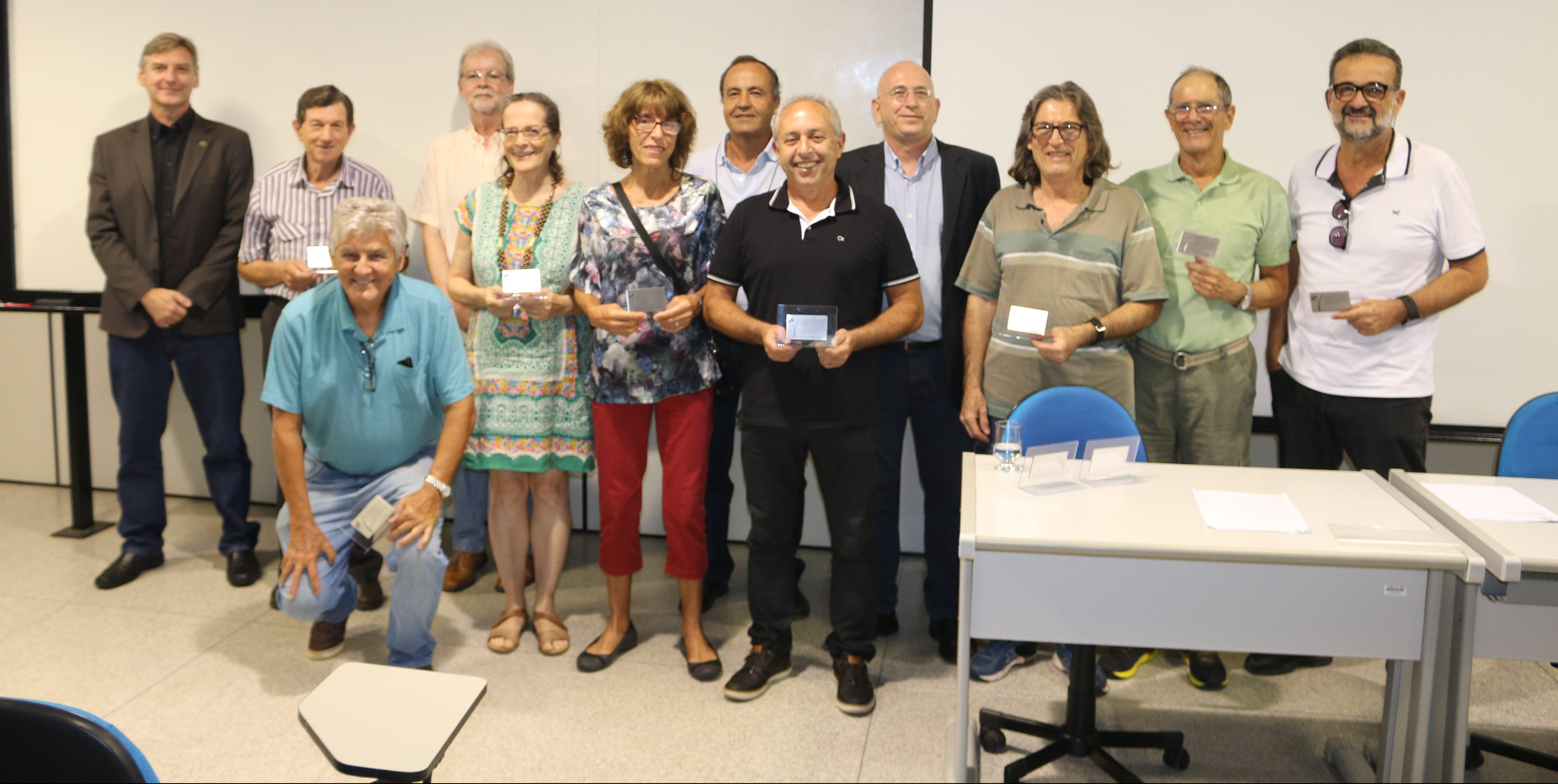 Homenagem aos docentes aposentados do SEL